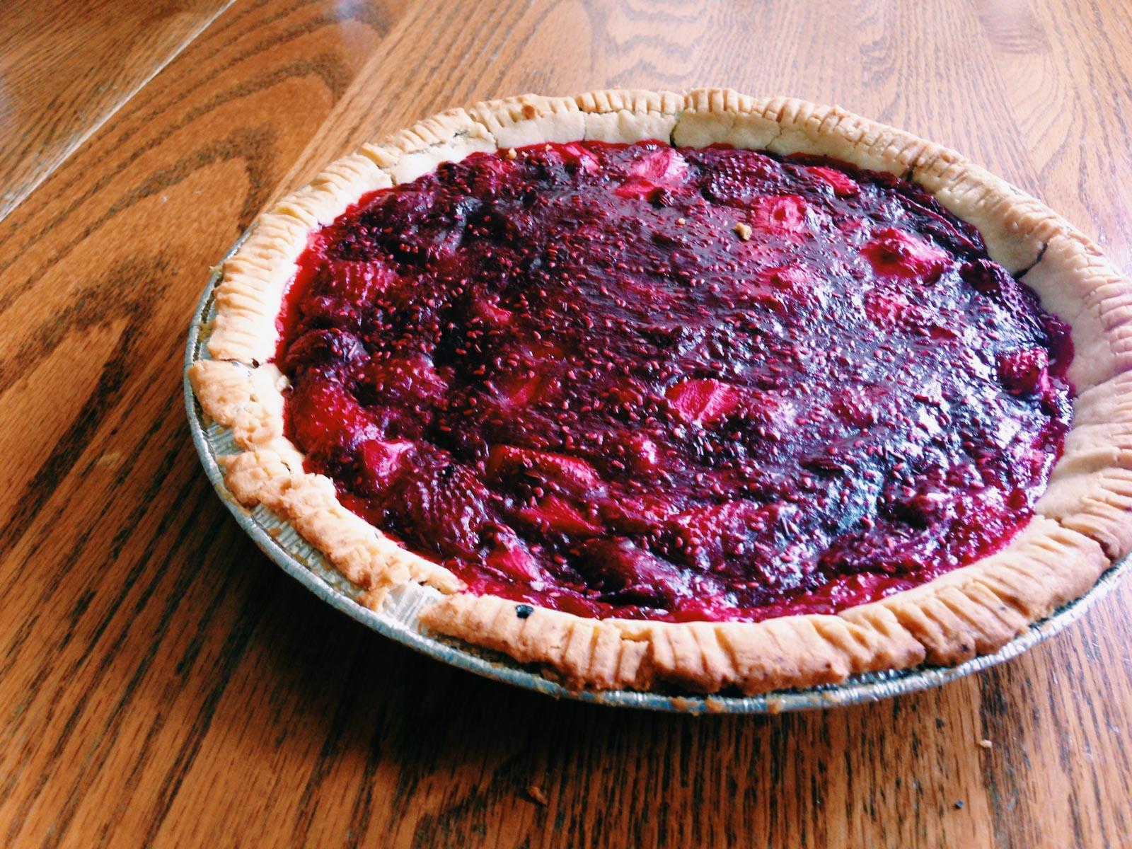 Sad crumbly gf pie attempt